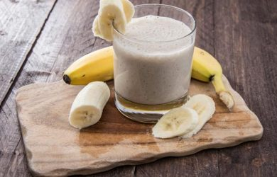 Smoothie banane gingembre miel